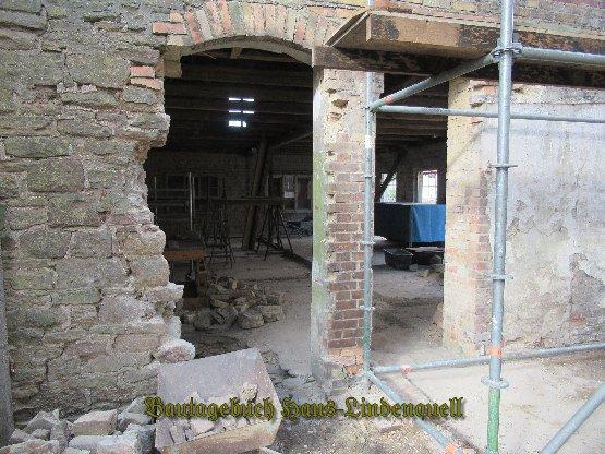 links kommt ein Fenster rein, rechts wird die neue Tür
